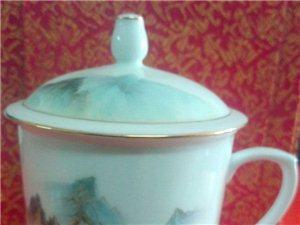 景德��S�高白描金山水人物茶杯