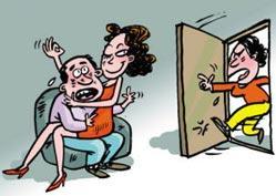男子给前女友发红包后求助媒体怎样瞒媳妇