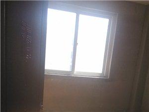 龙泉花园3室2厅95平米+95平阁楼简单装修