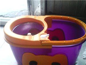 60元甩貨−−雙驅動旋轉拖把自動甩干拖布桶