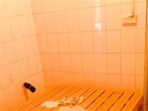 出售几张实木床架长2米|宽1.5米
