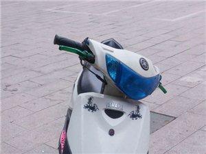 阜宁地区出售白色雅马哈巧格小踏板摩托车一辆!