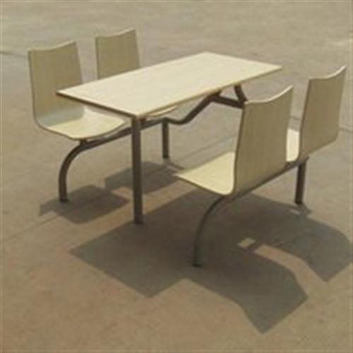 便民闲置物品寄卖店出售9套近全新4人座连体桌椅如图