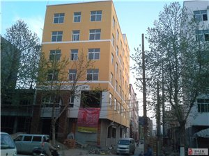 偃师民主西路与新星路叉口3至7层54个标间整体出租