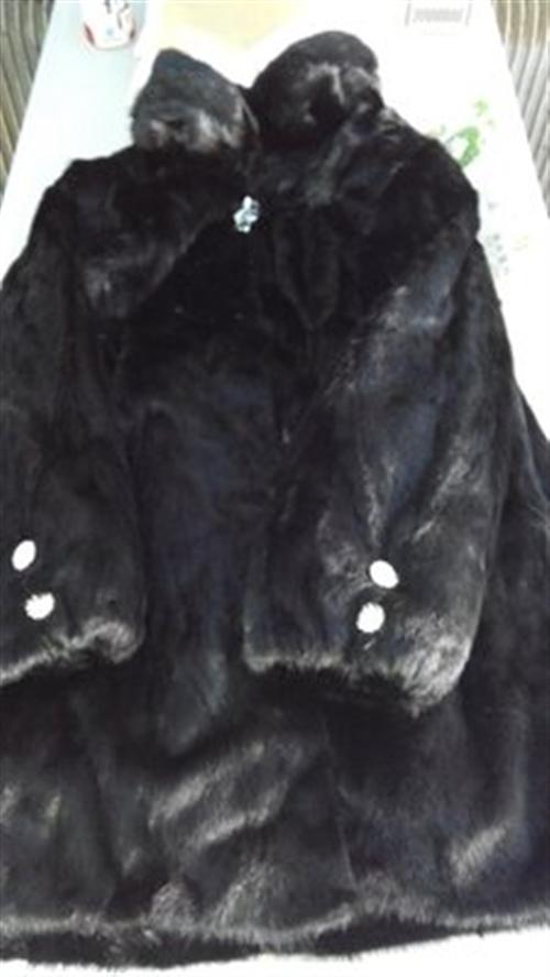 出售九五成新貂皮大衣