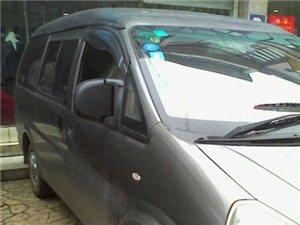 一汽自由风 2010款 尊贵版 2.0 手动豪华型 9+座个
