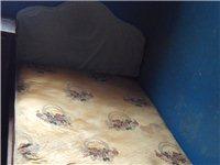 60元处理服务楼的床、沙发、床头柜等家具