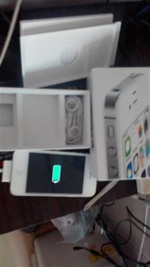 出售9成新iphone4S一臺