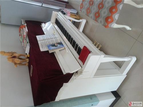 钢琴出售(德尔曼,白色)