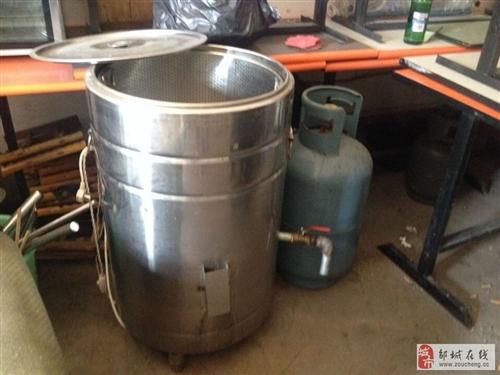 面馆设备出售!桌椅,冰柜,煮面炉带煤气罐!等等!
