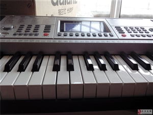 出售一台电子琴。型号新韵XY―332。大家可以百度