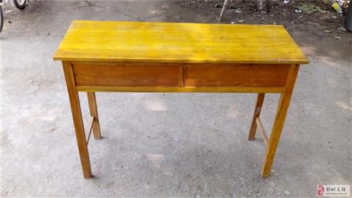 出售桌子和板凳一批