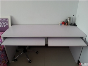 100元低价出售白色双人电脑桌一个非诚勿扰!