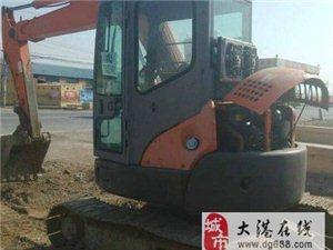 低价处理自用的日立55挖掘机