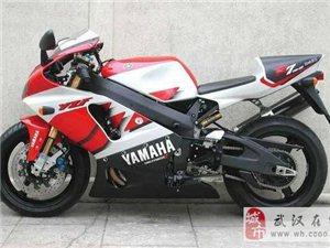 雅马哈YZF-R7摩托车