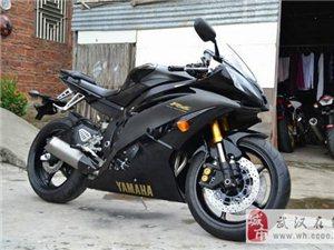 雅马哈YZF-R6摩托车