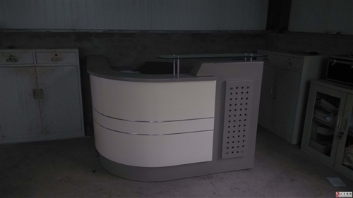 吧台及转角电脑桌老板椅