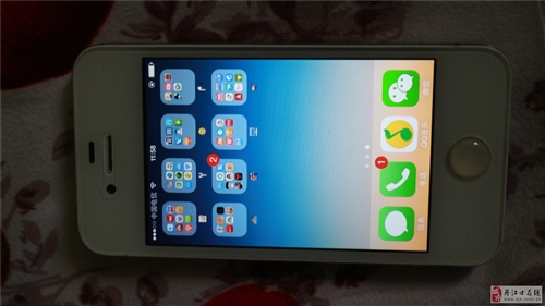8成新苹果4S低价出售