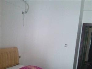 干净整洁,随时入住,五洲财富广场 2600元 2室2厅1卫