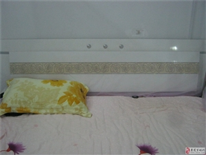 急售9成新床、五门衣柜