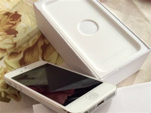 白色苹果16GB国行iPhone5在保修