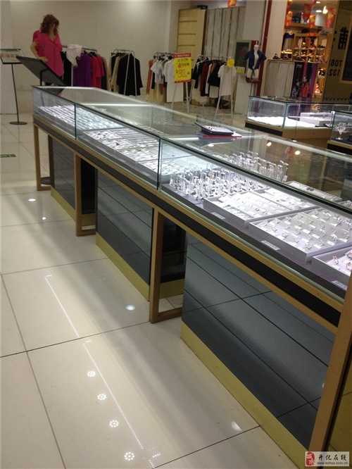 珠宝店柜台88成新低价转让