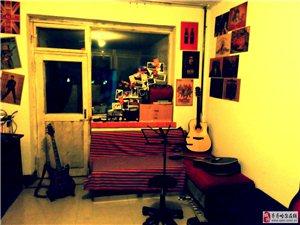 小唱片音樂工作室招生啦!這里不僅僅是個吉他教室