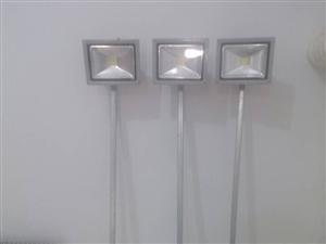 3只LED射灯转手出售