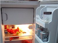 低价转让130L小冰箱(有冷藏、冷冻室)