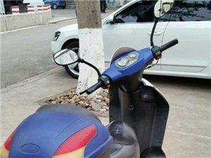 9成新的踏板摩托车出售