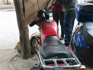 出售钱江125五羊款男士摩托车与125太子款摩托