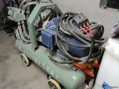 专业拆除、回收各种废品,出租大型切割机、气风镐