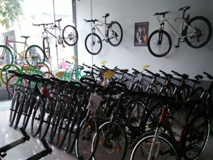 阿米尼自行车专卖店