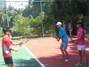 網球教練、網球培訓、陪練、網球器材專業配置