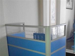 出售9成新办公桌多台