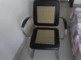 低�r出售自家用的老板桌老板椅