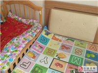一张双人床婴儿床