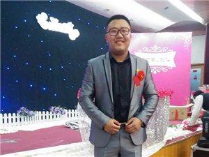 婚礼主持邓龙竭诚为您服务