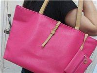 时尚大款玫红色包包 需要的小伙伴快快联系我呦