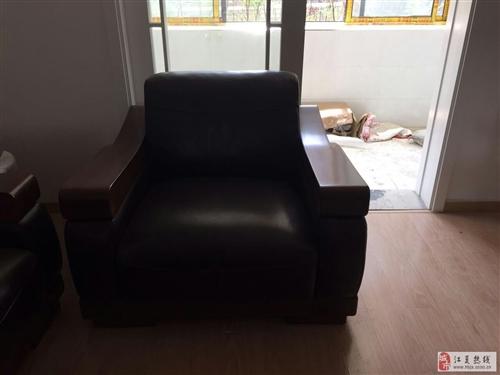 轉讓全新實木帶皮組合沙發一套