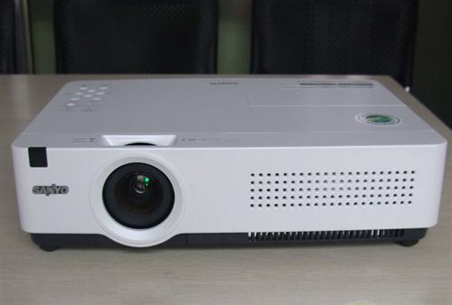 100-300寸家用高清电影多媒体投影机
