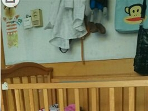 婴儿床200出售