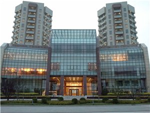 云杉国宾酒店