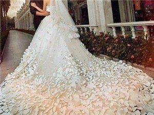 华丽丽的婚纱大裙摆