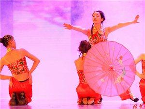 舞蹈《水妹伊人》表演者: 赵兰惠等(选送单位:小精灵幼儿园)