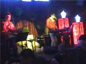 视频: 布鲁斯音乐酒吧