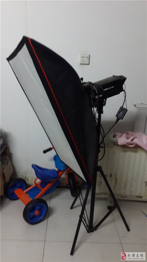 9成新的摄影灯一对+送配件